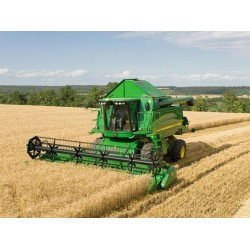 Комбайн для уборки урожая справится с любой задачей
